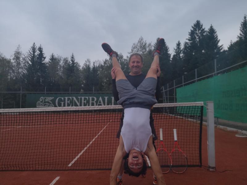 Ali-Handstand